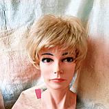 Парик короткий кудрявый соломенный блонд  ZINA-24Н613, фото 8