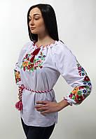 Женская вышитая блуза гладью на белом батисте