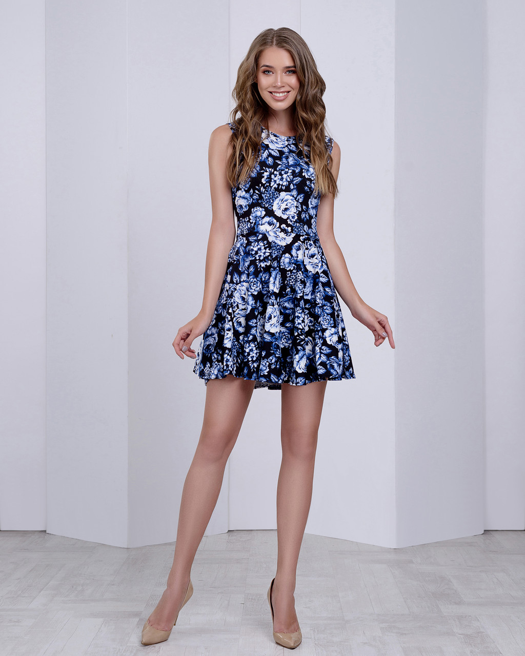 Женское платье (юбка-солнце)  стильный принт: синие розы на черном