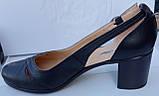 Туфли женские на среднем каблуке из натуральной кожи черного цвета от производителя модель РБ05, фото 2