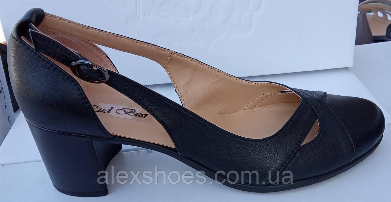 Туфли женские на среднем каблуке из натуральной кожи черного цвета от производителя модель РБ05