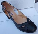 Туфли женские на среднем каблуке из натуральной кожи черного цвета от производителя модель РБ05, фото 5