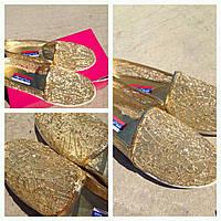 Туфли-балетки женские в пайетках в золоте