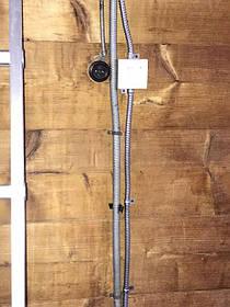 Для підключення плівки до фаз і гаранту безпеки від пожежі, було проведено окрему лінію живлення для підключення плівки від лічильника через металорукав і автомати.