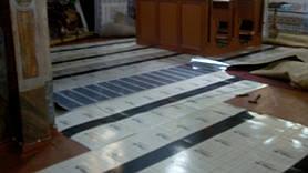 Для встановлення теплої підлоги і ефективного обігріву використовувалися всі допоміжні професійні шари, такі як теплоізоляція - E-PEX з заземленням і захист від фізичного пошкодження- E-Stone.