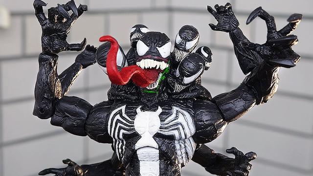 Figurka-Venoma