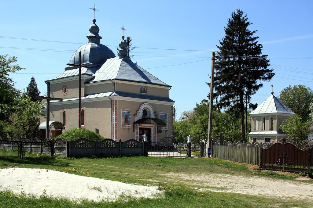 Монтаж теплої підлоги у церкві с.Стратин (Рогатинський р-н)