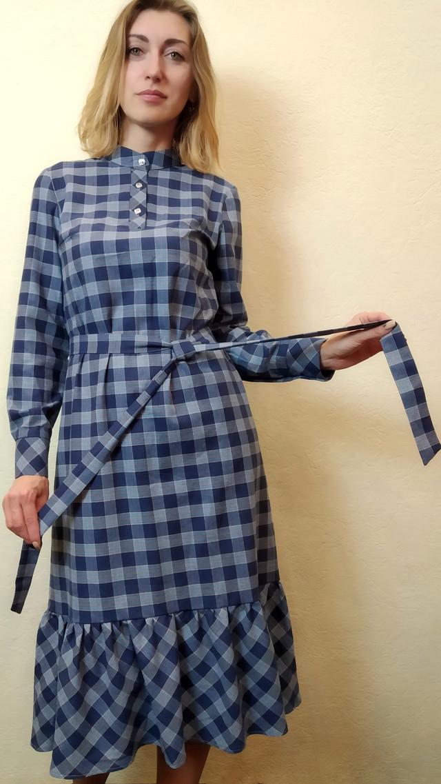 Платье женское миди с рюшей в клетку П257
