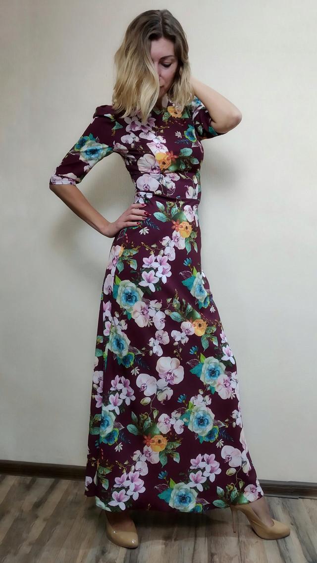 Женское шелковое платье в пол с расклешенной юбкой П188