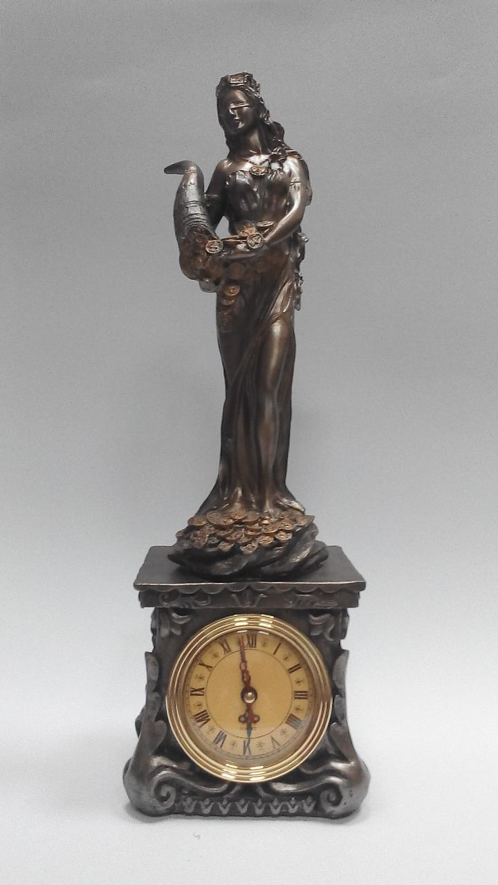 Статуэтка Фортуна с рогом изобилия с часами высота 40 см
