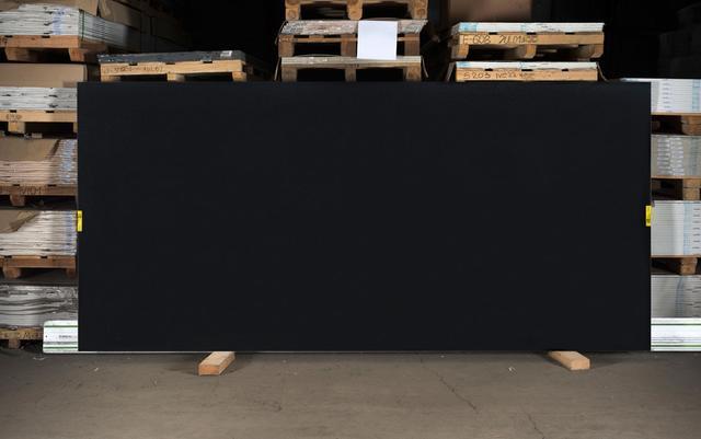 Искусственный камень - кварц Caesarstone 3100 Jet Black - Photo