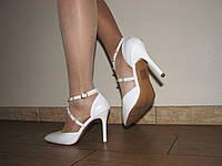 Женские белые туфли на средней шпилька 40 р 26 см