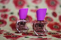 Перламутровый лак для ногтей сливового цвета
