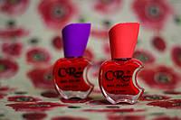 Глянцевый лак для ногтей ярко красного цвета