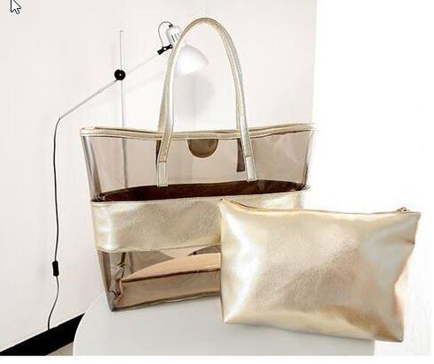 Вместительная сумка с силиконовой вставкой и клатчем