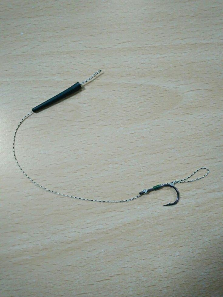 Бойловый поводок с крючком №8