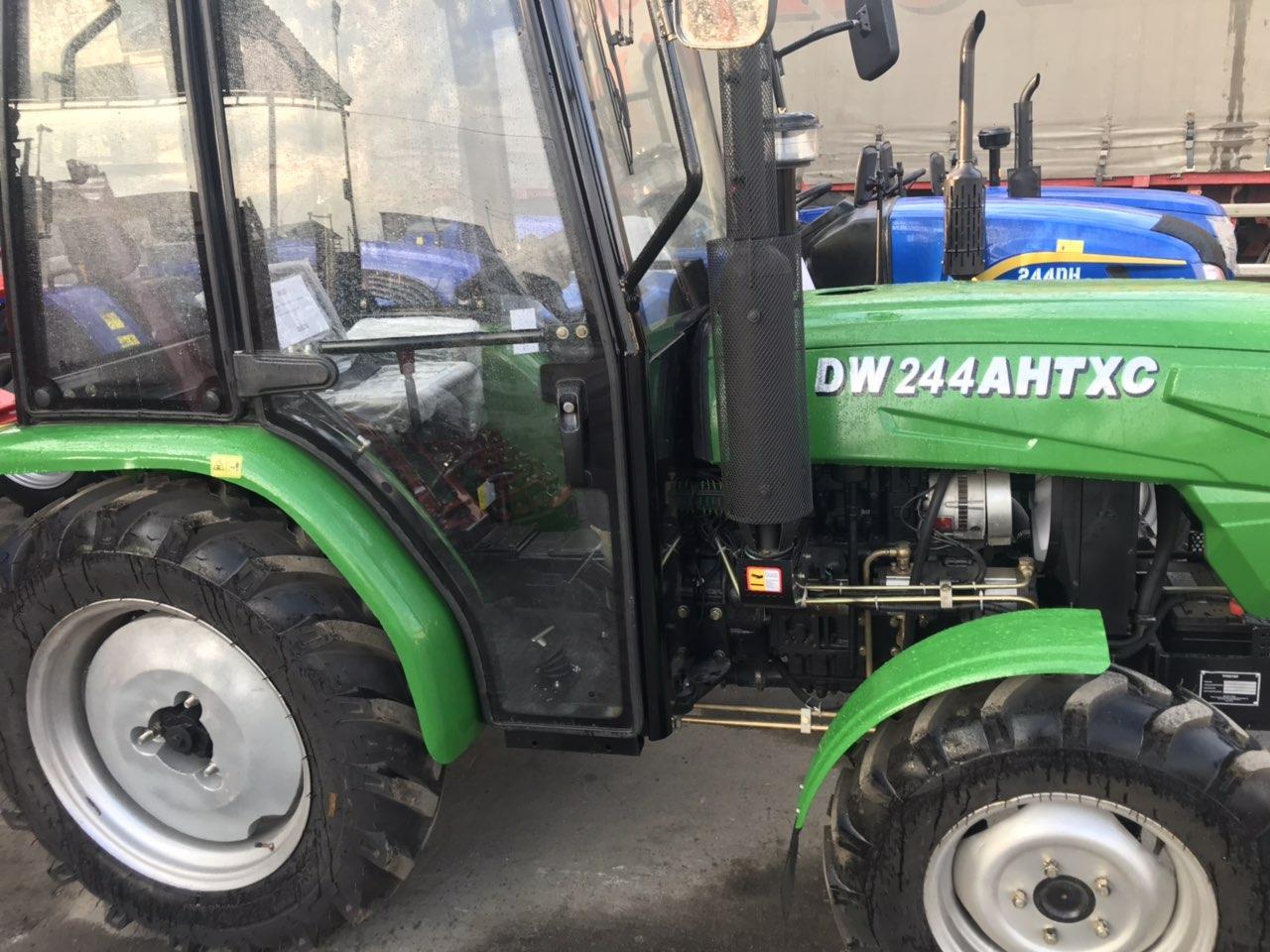 Трактор с кабиной, DW 244AHTХС, (24 лс, 4х4, 3 цил., ГУР, широкая резина)