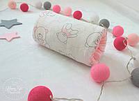 Подушка для годування та заколисування малюка  в рожевих кольорах 1920