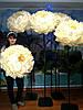 Пион белый на стойке Большие ростовые цветы из изолона