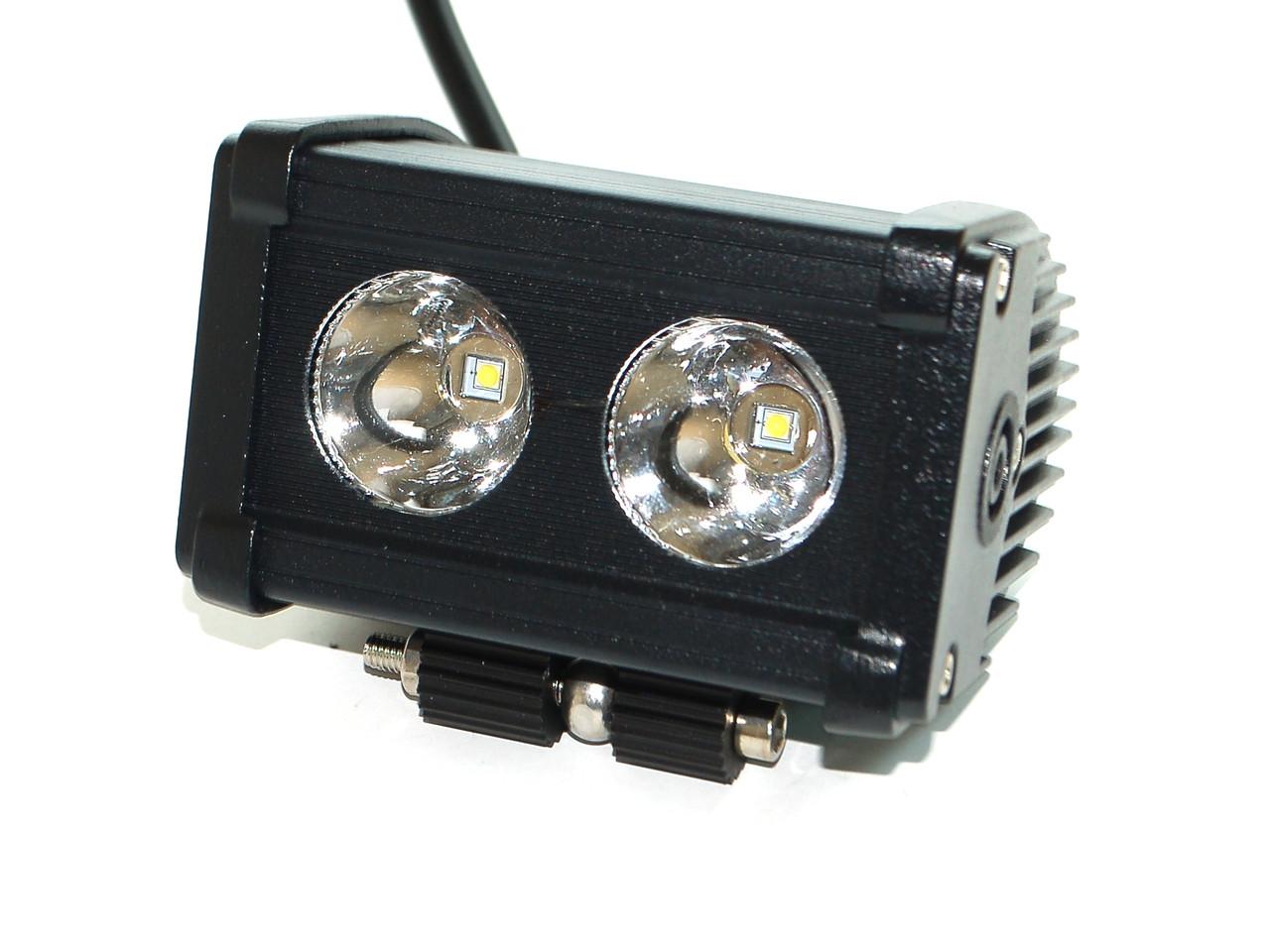 Светодиодная фара AllLight D-20W 2chip CREE spot 9-30V нижний крепеж