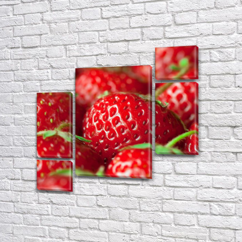 Модульная картина Сочная красная клубника (макро), на Холсте син., 85x85 см, (40x20-2/18х20-2/65x40)