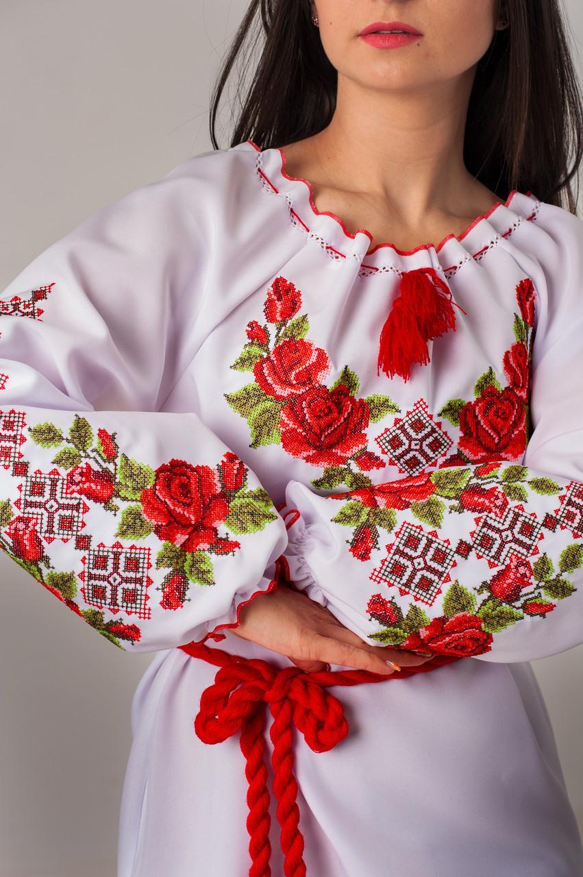 Женская вышиванка розы