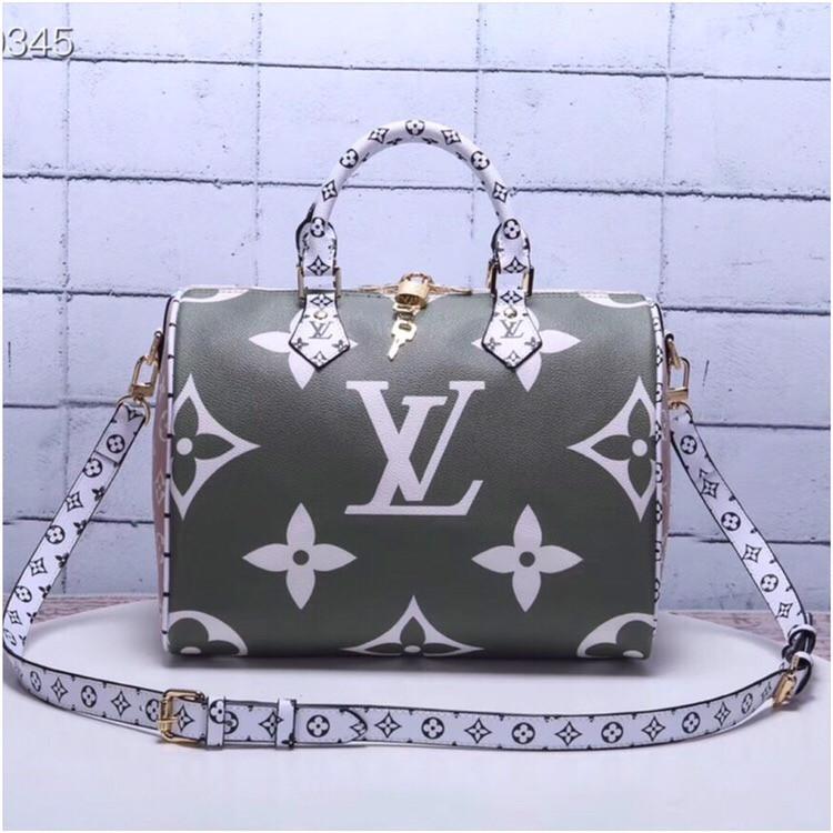 2c01a51500ef Сумка Louis Vuitton Луи Витон Speedy Bandouliere 30 см, канва Monogram, кожаная  реплика