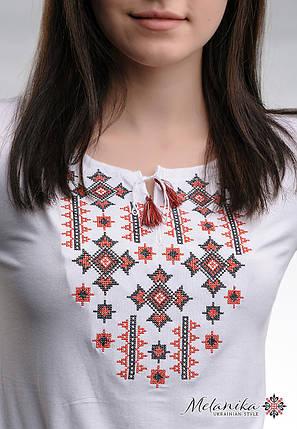 Класична біла жіноча вишита футболка «Зоряне сяйво (червона вишивка)», фото 2