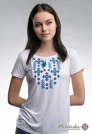 Летняя женская вышитая футболка белого цвета «Звездное сияние (синяя вышивка)», фото 2