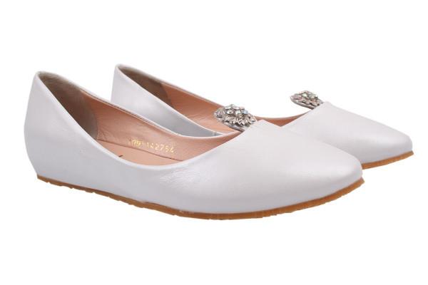 Туфли женские на низком ходу из  натуральной кожи белые Euromoda (36р)