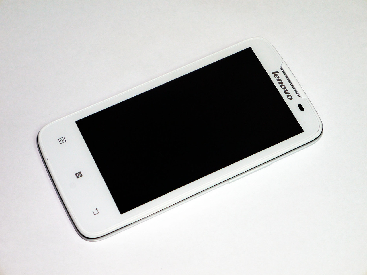 Телефон Lenovo A820 Белый 4,5'' IPS 13МП 4Ядра 1Gb ОЗУ, фото 1