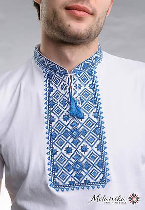 Молодежная футболка для мужчины в этно стиле «Звездное сияние (синяя вышивка)», фото 2