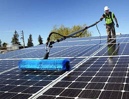 Техническое обслуживание СЭС: мойка солнечных батарей