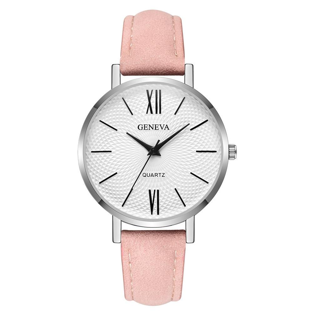 Наручные женские часы Geneva серебро с цифрами кожзам розовый