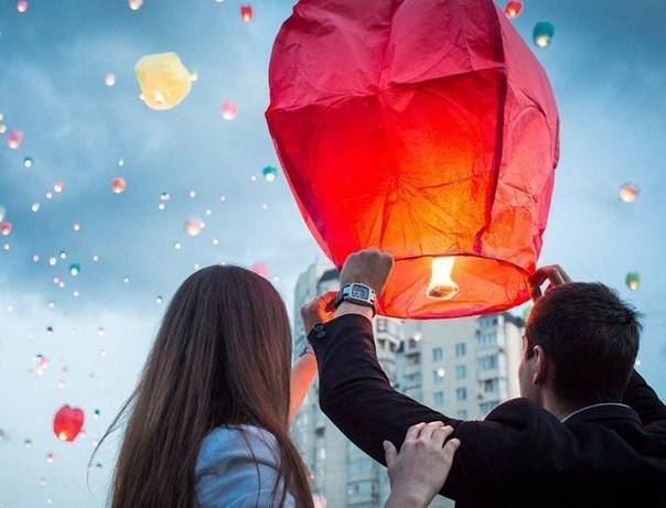Небесный фонарик - купол красного цвета, китайский фонарик
