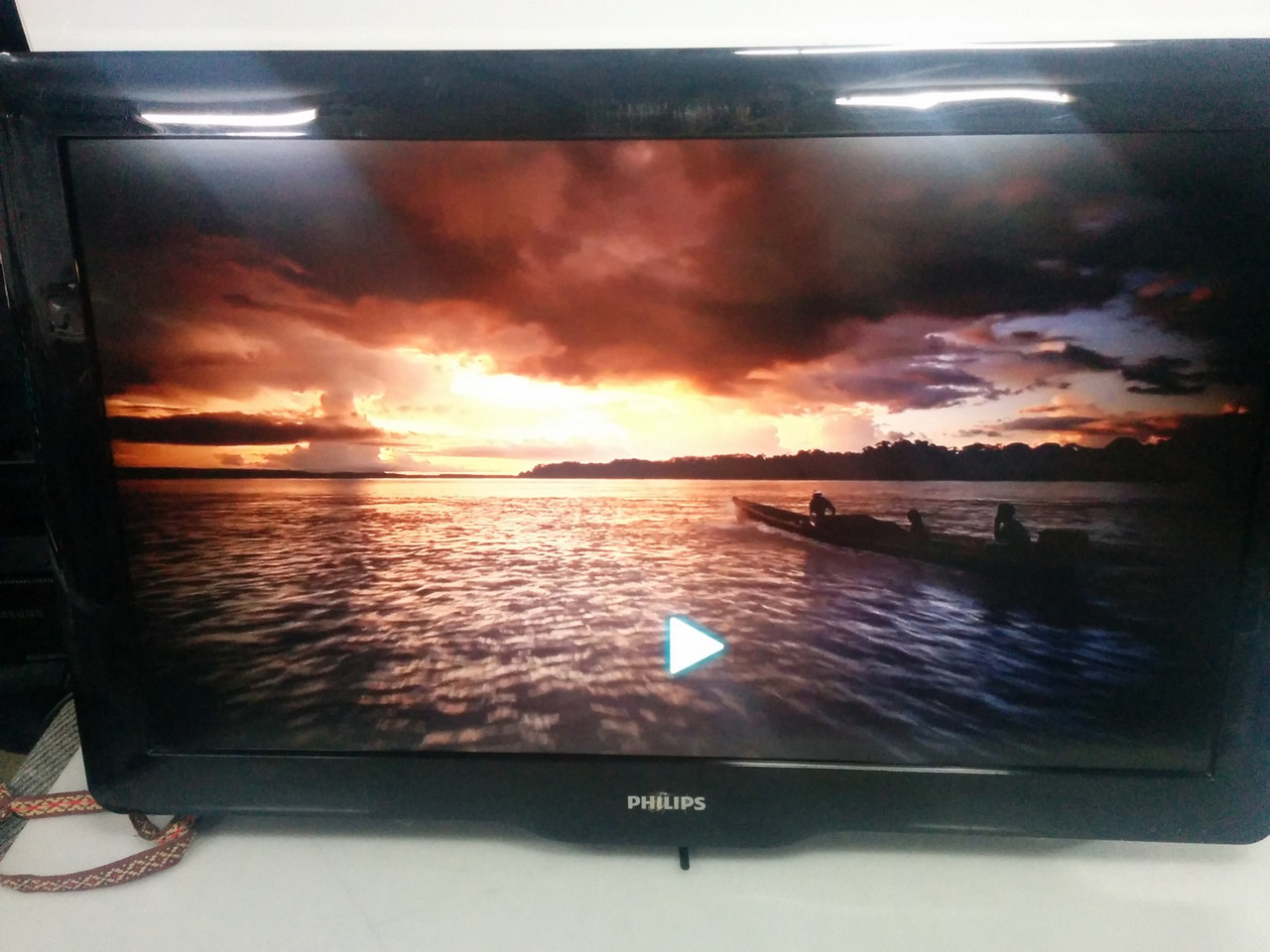 "Телевизор ЖК 32"" Philips 32PFL3606 FullHD"