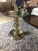 Стол кофейный круглый со стеклом на металлической ноге