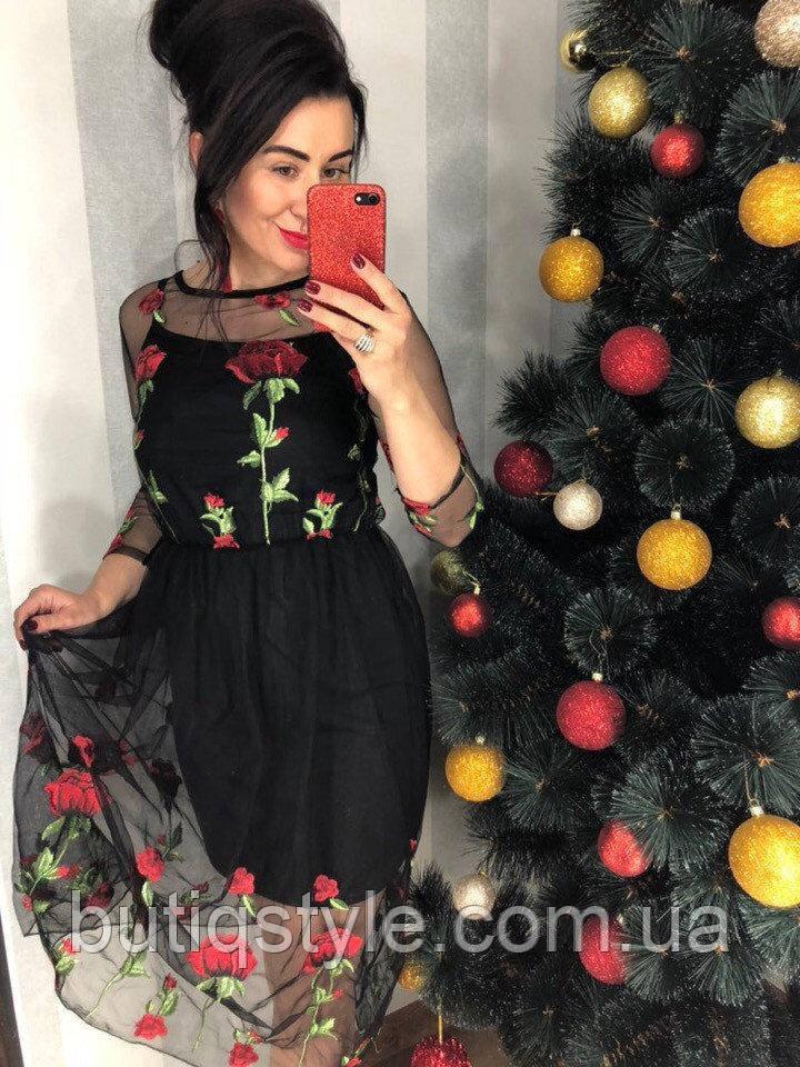 Красивое женское платье с органзой и вышивкой, только с коротким подъюбником