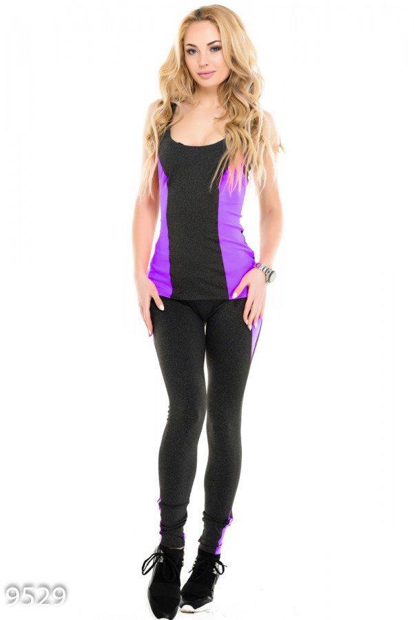 Серый спортивный костюм с майкой декорированный фиолетовыми вставками