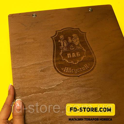Деревянные папки меню с лазерной гравировкой.