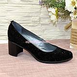"""Туфли женские замшевые на каблуке, декорированные камнями. ТМ """"Maestro"""", фото 2"""