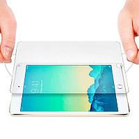 Поклейка защитного стекла на iPad