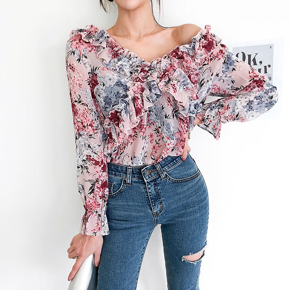 Модная блузка с рукавами 46-48