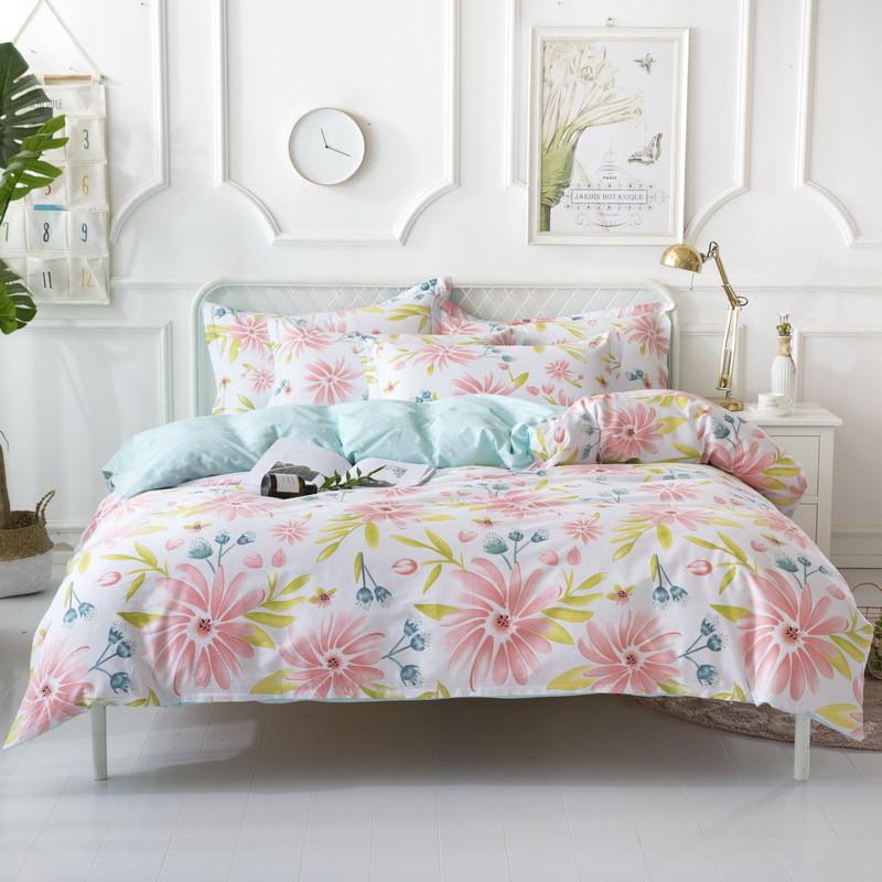 Комплект постельного белья Весенние цветы (двуспальный-евро) Berni Home