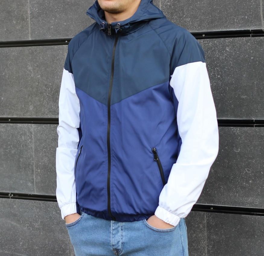 Мужская демисезонная куртка с капюшоном синяя . Фото в живую