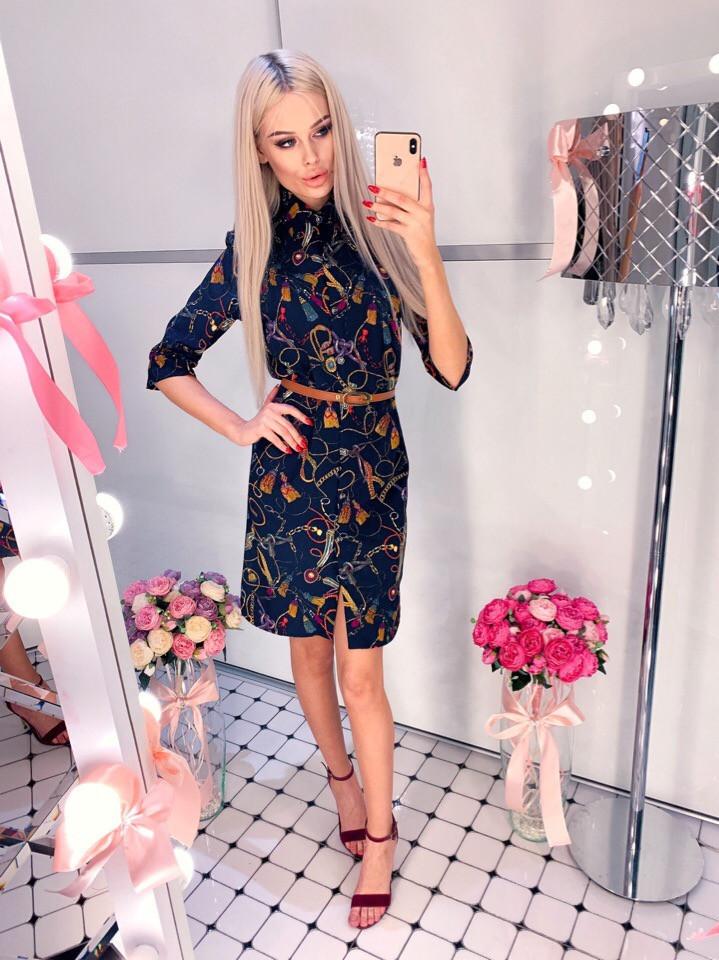 Легкое весеннее платье-рубашка на пуговицах в красивый принт с ремнем в комплекте