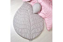 Стеганый коврик и подушка: Набор Листочек светло-серый