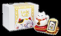 Котик щастя ~ Срібна монета в статуетці з котиком, що махає лапкою, та золотими монетами, фото 1