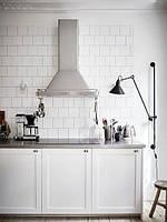 Кухня на заказ фасад белая матовая покраска мдф с фрезой Blum furniture