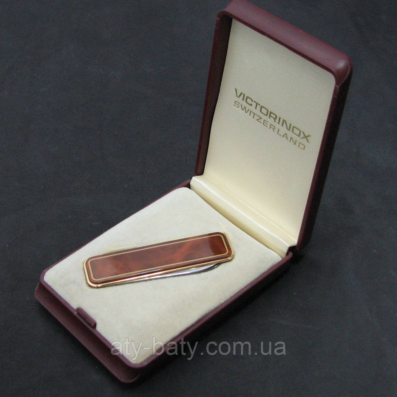 Нож Victorinox Enamelled Brown Marble 0.6210.86